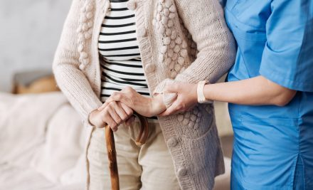 Alzheimer's Awareness: 5 Warning Signs to Watch For