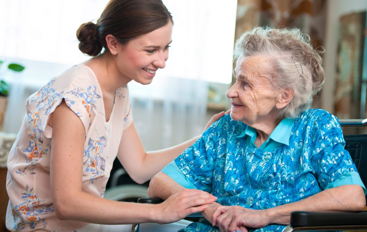 4 Types of Long-Term Care Facilities for Your Elderly Loved One